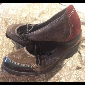 suede like athletic shoes Privo by Clark's